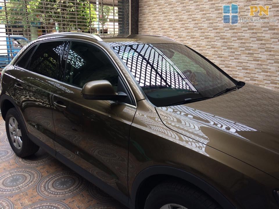 Xe hơi khách hàng dán phim cách nhiệt 3M Crystalline