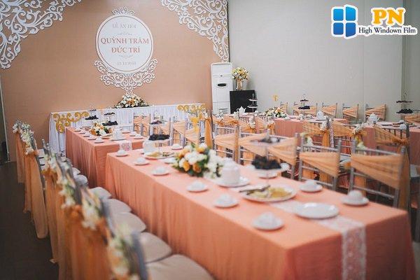 Cách trang trí bàn uống nước trong lễ cưới