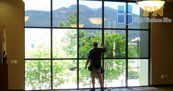 giấy dán kính cửa sổ chống nắng 1